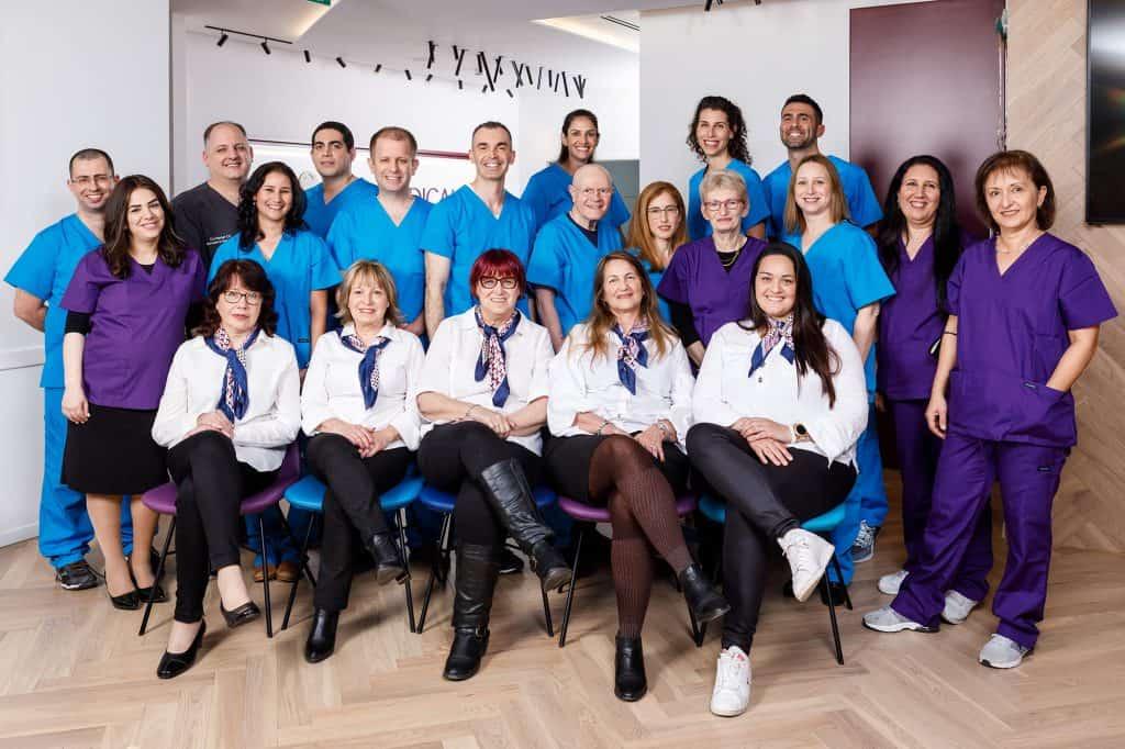 """צוות מרפאת שיניים של ד""""ר אופיר זהבי"""